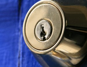 professional 24-hour locksmith Starwood