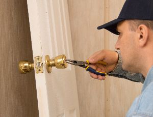 24-hour locksmith in Newark, TX